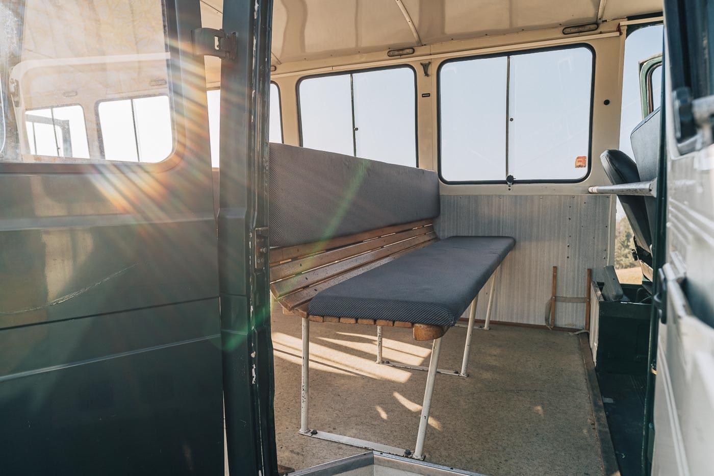 MiMo-Classics-Polizeibus-Innen-5